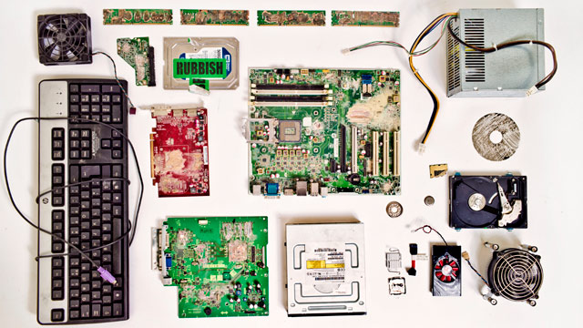 Remains of a PC destroyed by Guardian staff to clear themselves of Snowden leak data; Photo:Guardian